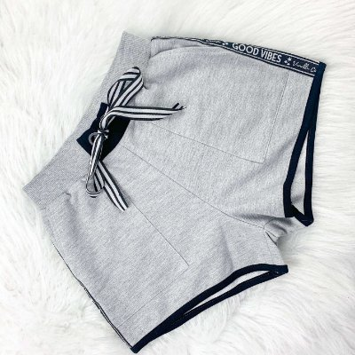 Shorts Teen Vanilla Cream moletom good vibes Tam 16