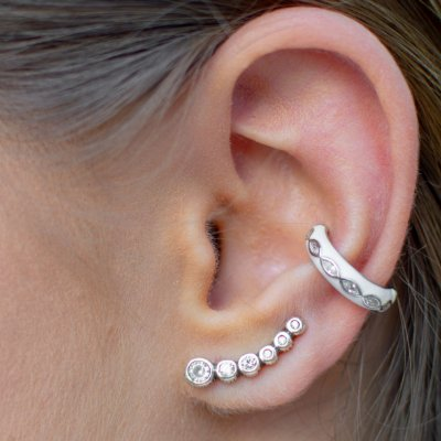 Fake piercing branco em prata 925