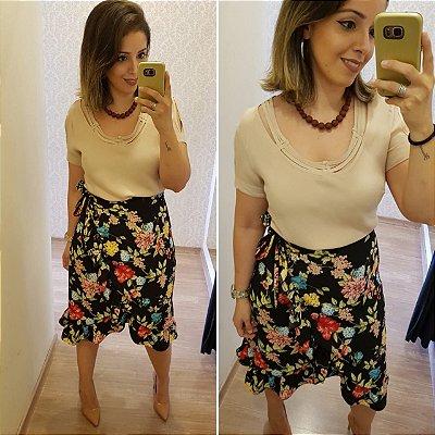 Blusa Lisa Viscose com Detalhe Gola
