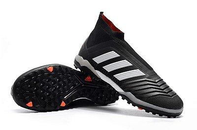 Chuteira Adidas Predator 18 Preta (Cano alto)