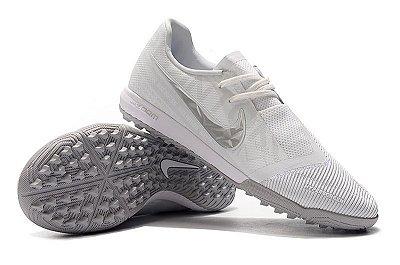 Chuteira Society Nike Zoom Phantom VNM Pro IC Branca e Cinza FRETE GRÁTIS
