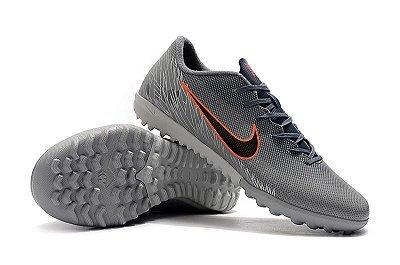 Chuteira Nike Mercurial VaporX 12 Club TF Cinza Desenho de Asas FRETE GRÁTIS