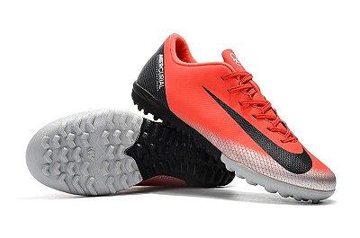 Chuteira Nike Mercurial VaporX 12 Club TF Cristiano Ronaldo Salmão