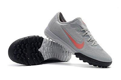 Chuteira Nike Mercurial VaporX VII Pro IC Society Cinza