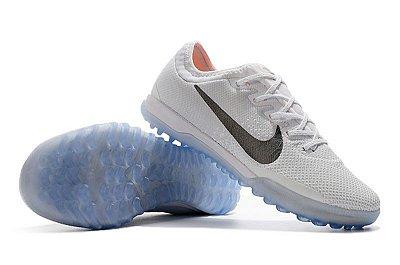 Chuteira Nike Mercurial VaporX 12 Club TF Society Branca