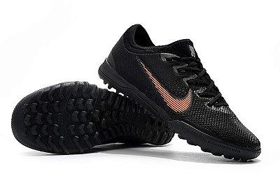 Chuteira Nike Mercurial VaporX VII Pro IC Society Preta e Laranja