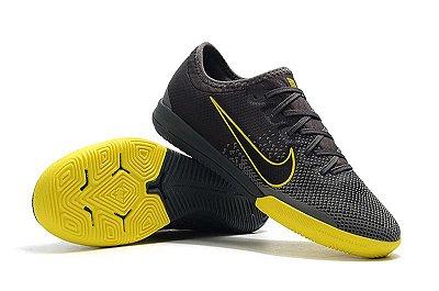 Chuteira Futsal Nike Mercurial VaporX VII Pro IC Game Over Cinza e Amarela