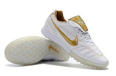 Chuteira Society Nike Tiempo Legend 7 R10 Elite TF Branca e Dourada FRETE GRÁTIS