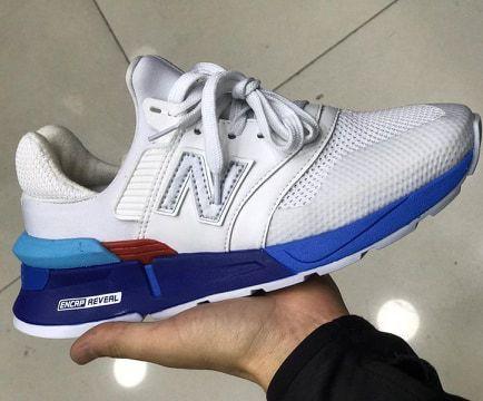 Tênis New Balance 997S Branco e Azul Escuro