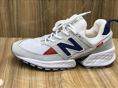 Tênis New Balance 574 V2 Cinza e Branco