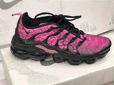 Tênis Nike Vapormax Plus Rosa e Preto