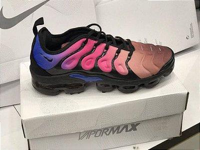 Tênis Nike Vapormax Plus Colorido Feminino