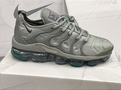 Tênis Nike Vapormax Plus Cinza