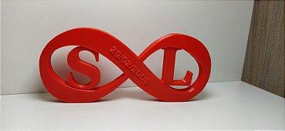 Símbolo do infinito em 3D com data e inicias