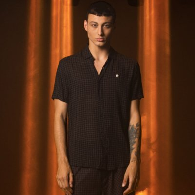 Camisa Masculina Manga Curta Quadriculada em Viscose Grid - Preto