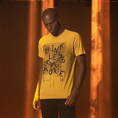 Camiseta Masculina manga curta estampa Think Less Love More - Amarelo