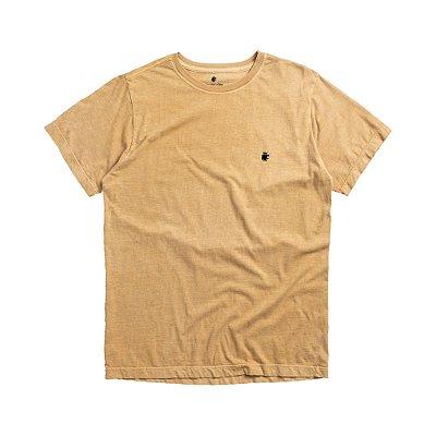 Camiseta Básica Masculina Estonada BASIS STONE - MOSTARDA