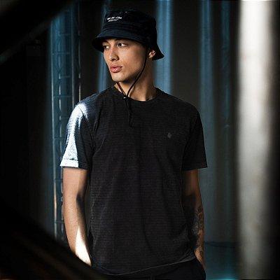 Camiseta Masculina Manga Curta Estonada com Listras - Preto