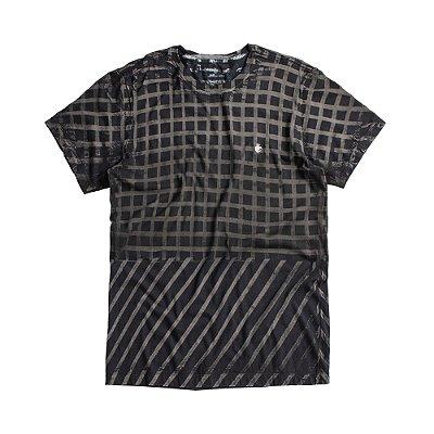 Camiseta masculina modelagem padrão estampa quadriculada - Preto