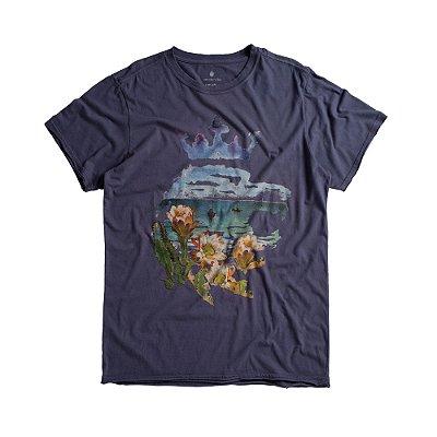 Camiseta masculina estampa leão e paisagem de praia - Azul