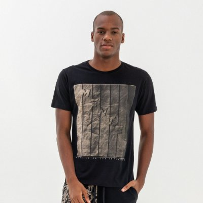 Camiseta masculina manga curta estampa frontal lettering - Preto