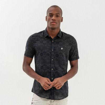 Camisa masculina de manga curta estampa Yantra - Preto