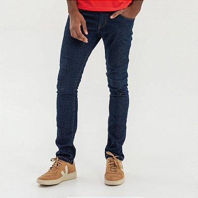 Calça jeans masculina tom escuro de modelagem slim - Denim