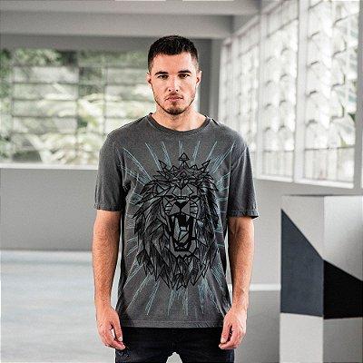 Camiseta masculina manga curta estampa leão geométrico - Preto
