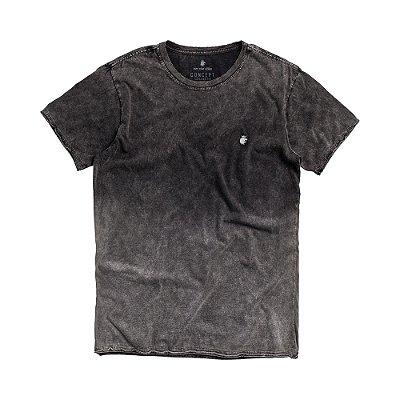 Camiseta masculina efeito marmorizado com spray degradê - Preto