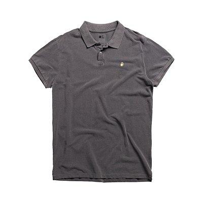 Camisa polo masculina básica estonada confeccionada em malhão - Preto