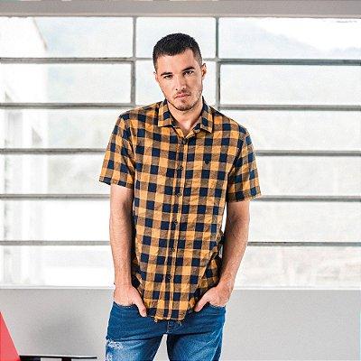 Camisa xadrez masculina de flanela em manga curta efeito amassado - Amarelo