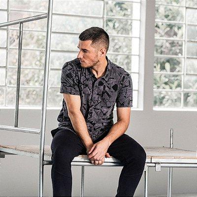 Camisa masculina de malha manga curta estampa floral geométrica - Preto