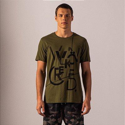Camiseta masculina acabamento diferenciado estampa de lettering - Verde