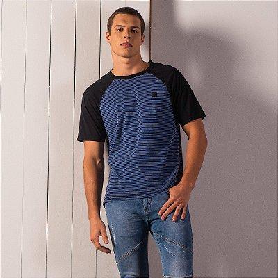 Camiseta masculina raglan estonada de listras com etiqueta emborrachada - Azul