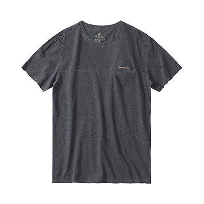 Camiseta masculina em flamê com recortes diferenciados - Preto