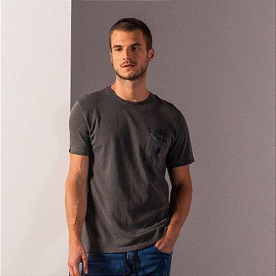 Camiseta masculina estonada com bolso frontal estampa bike nas costas - Preto