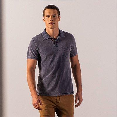Camisa polo masculina de efeito marmorizado com bolso e aplicação de rebite - Azul