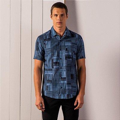 Camisa masculina manga curta tecido texturizado e estampa full print - Azul