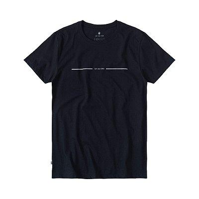 Camiseta masculina de manga curta estampa lettering Vøn der Völke - Preto