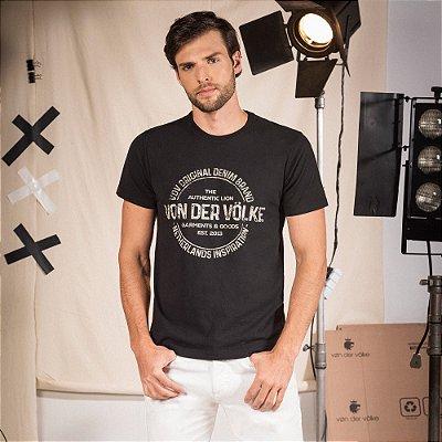Camiseta masculina manga curta estampa lettering Vøn der Völke - Preto