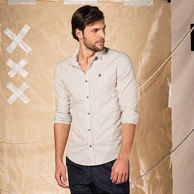 Camisa xadrez masculina manga longa com recorte nas costas e leão no peito - Bege