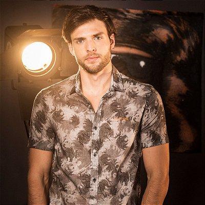 Camisa masculina manga curta estampa padronagem leão Vøn der Völke - Preto