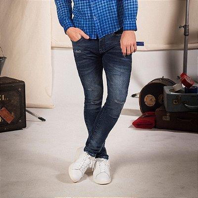 Calça jeans masculina modelagem reta cós com elástico e cordão de amarração - Denim