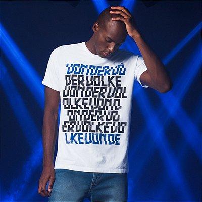 Camiseta masculina estampa lettering Von der Volke New Lett - Branco