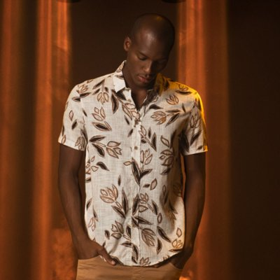 Camisa Leve Manga Curta Masculina Estampa Floral Texture - Bege