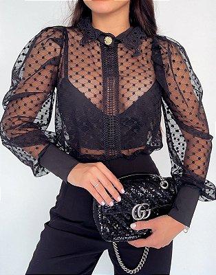 Body camisa manga longa preto com transparência e botão dourado