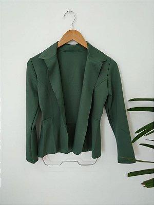 Blazer maravilhoso em neoprene na cor verde militar