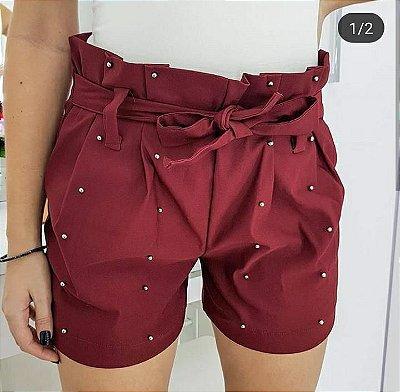 Shorts marsala com spike de bolinha