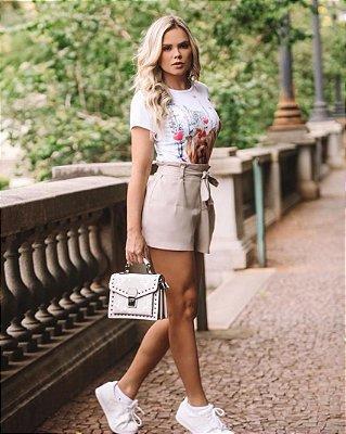 Shorts de linho com faixa na cintura - crú - Plus size