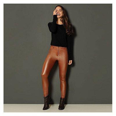 Calça skinny em couro eco - Essencial - Caramelo